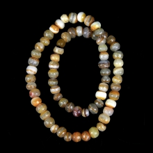 Near Eastern agate bead necklace