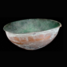 Indo-Iranian large rare bronze bowl with engraved linear design
