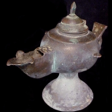 Islamic bronze oil-lamp with lid, Possibly Ghaznavid