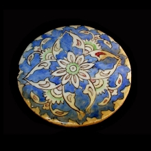 islamic-round-glazed-pottery-tile-with-floral-motif_x6817a