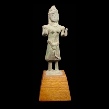 Khmer bronze statuette of a female divinity, possibly Uma