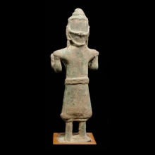khmer-bronze-statuette-of-a-female-divinity-possibly-uma_x3408c