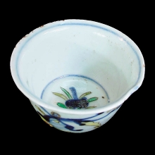 Qing wucai (five colour) porcelain cup