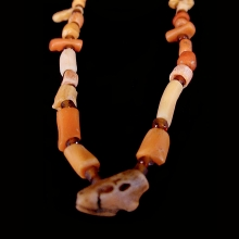 roman-red-coral-and-glass-bead-necklace_x6482c