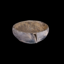 Spouted clay bowl, Grave Ware culture, 1st millennium BC, Pakistan