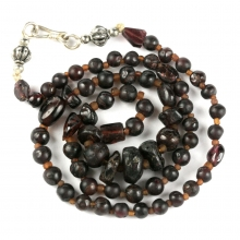 Roman to Islamic garnet bead necklace with modern silver clasp