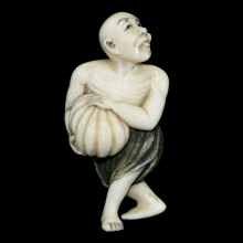 Japanese painted ivory Netsuke carving of an old man holding a gourd, Meiji