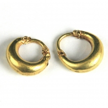A pair of Roman gold earrings